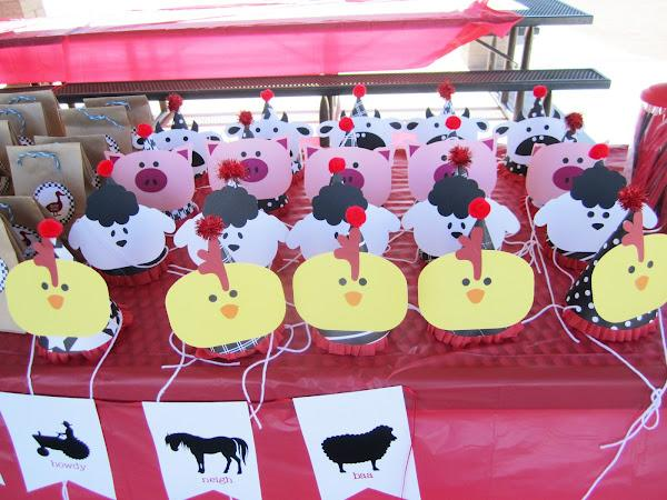 Birthday Party Roundup Barnyard Theme Decor Themeaparty