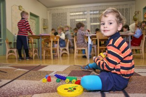 child play in daycare