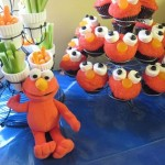 elmo and cupcakes
