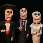 Traditional Dia de los Muertos wedding figurines.